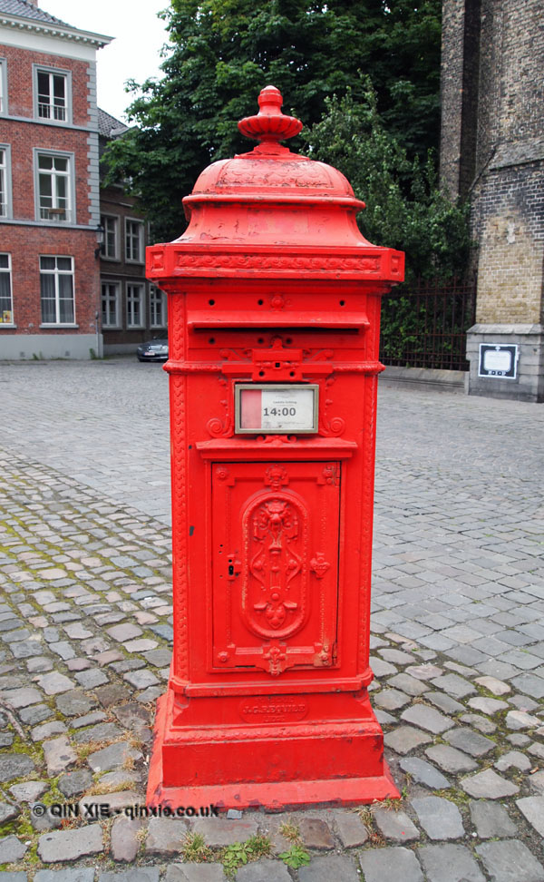 post box bruges belgium culture explorer. Black Bedroom Furniture Sets. Home Design Ideas